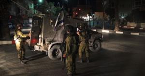 نابلس: الاحتلال يعتقل 3 مواطنين من بلدة قصرة