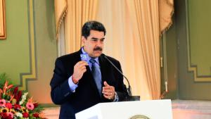 مادورو: مستعد للتنحي إذا فازت المعارضة بالانتخابات البرلمانية