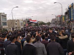 مسيرة لطلبة الجامعات في كربلاء تطالب بالكشف عن قتلة المتظاهرين