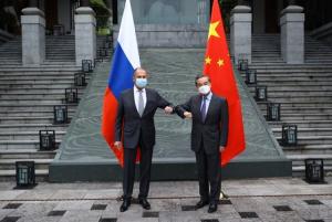 لافروف: روسيا ستبذل مع الصين كل ما بوسعها لحماية مشاريعها التجارية والتسويات