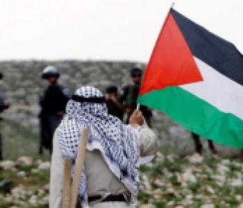 يولد الفلسطيني شهيداً ويعيش في فلسطين ولها حتى الشهادة..